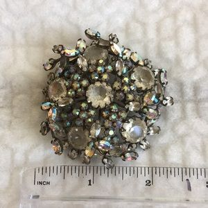 Jewelry - Large Vintage Brooch!